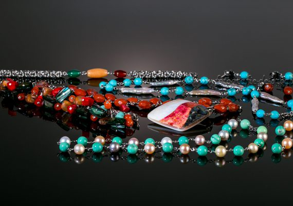 Fotografie bijuterii, bratari, coliere, cercei cu pietre naturale