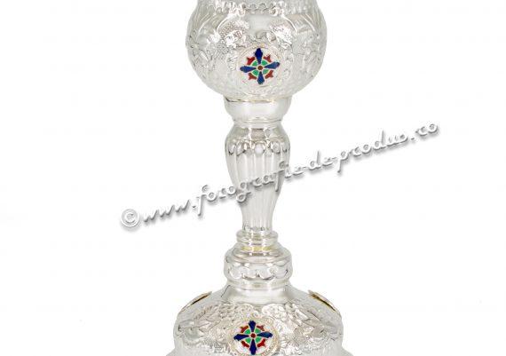 Fotografie cu vase argintate sfinte bisericesti